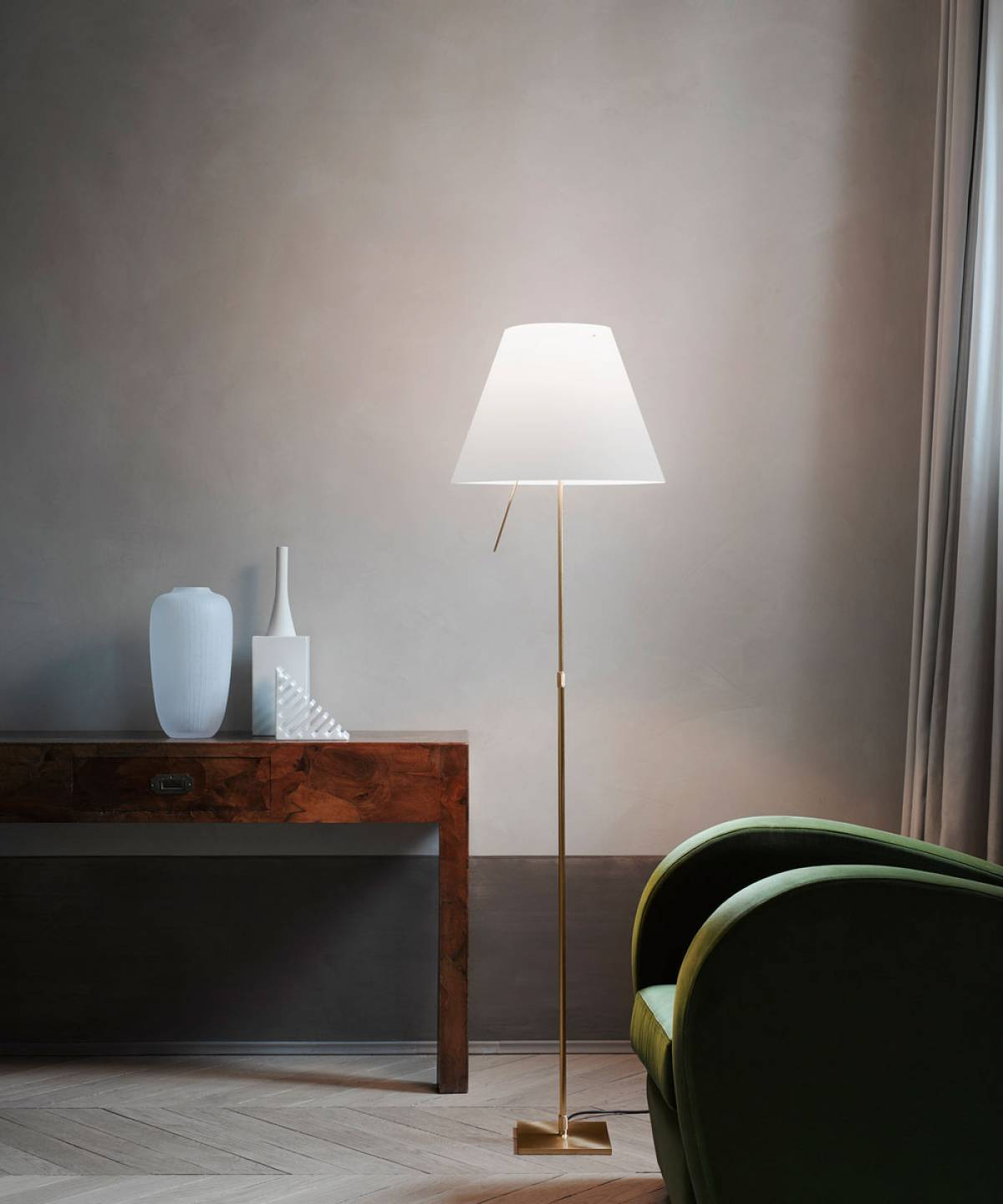 4 Costanza floor lamp Luceplan