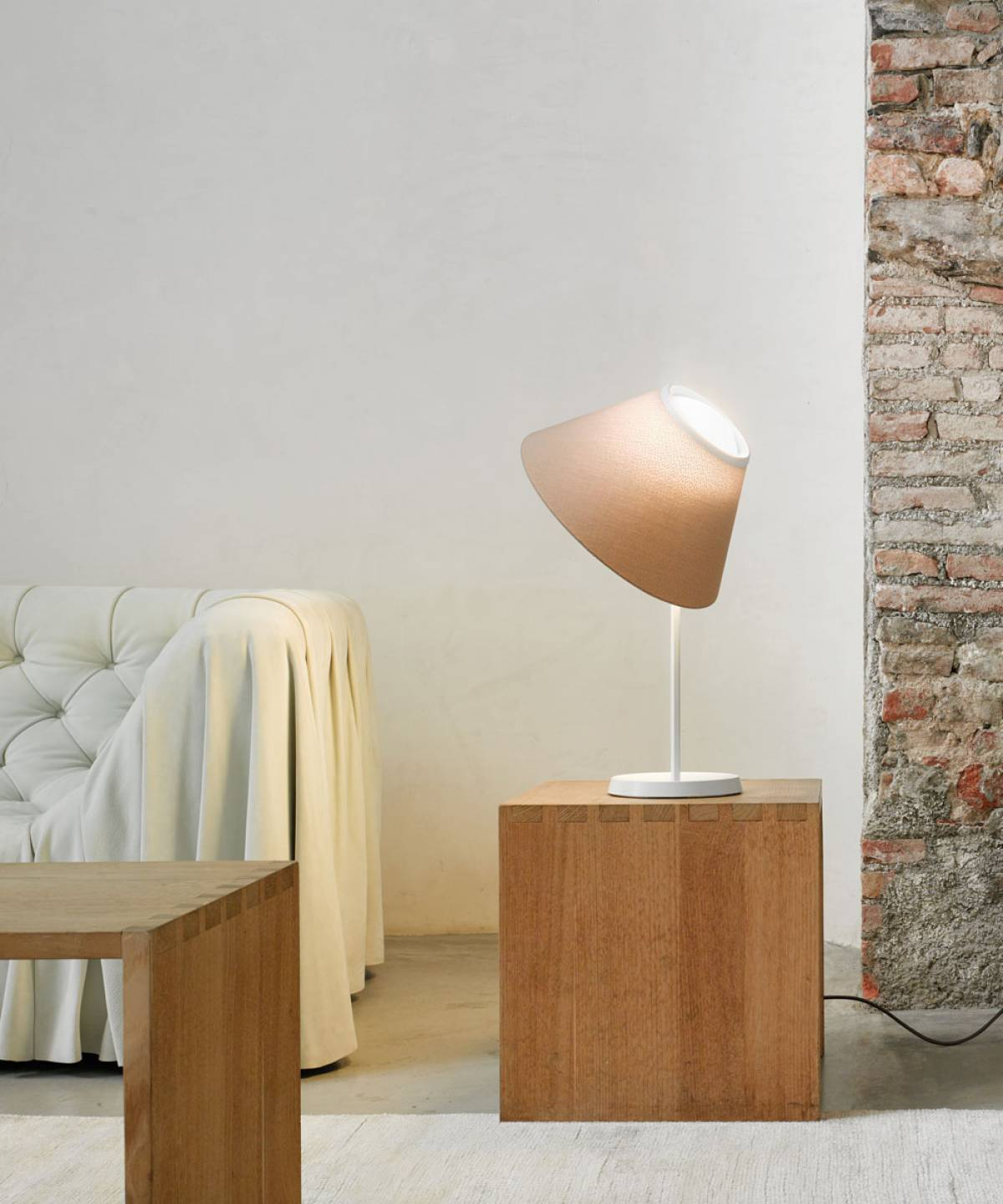 Cappuccina table lamp Luceplan