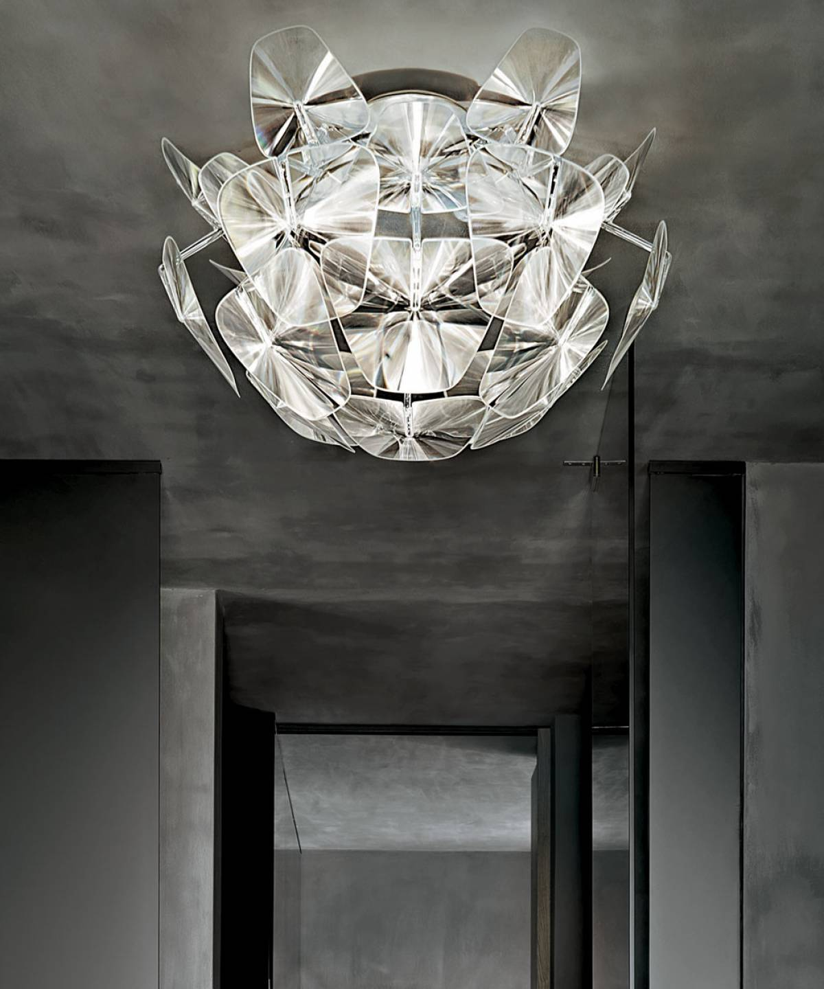 1 Hope ceiling lamp Luceplan