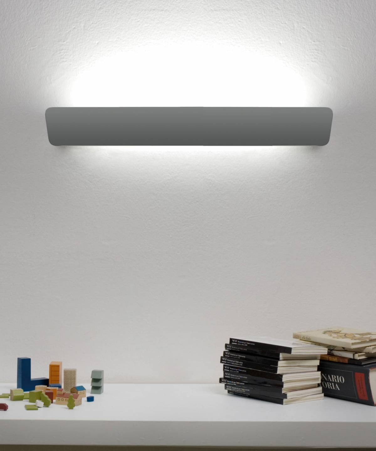 1 Lane wall lamp Luceplan