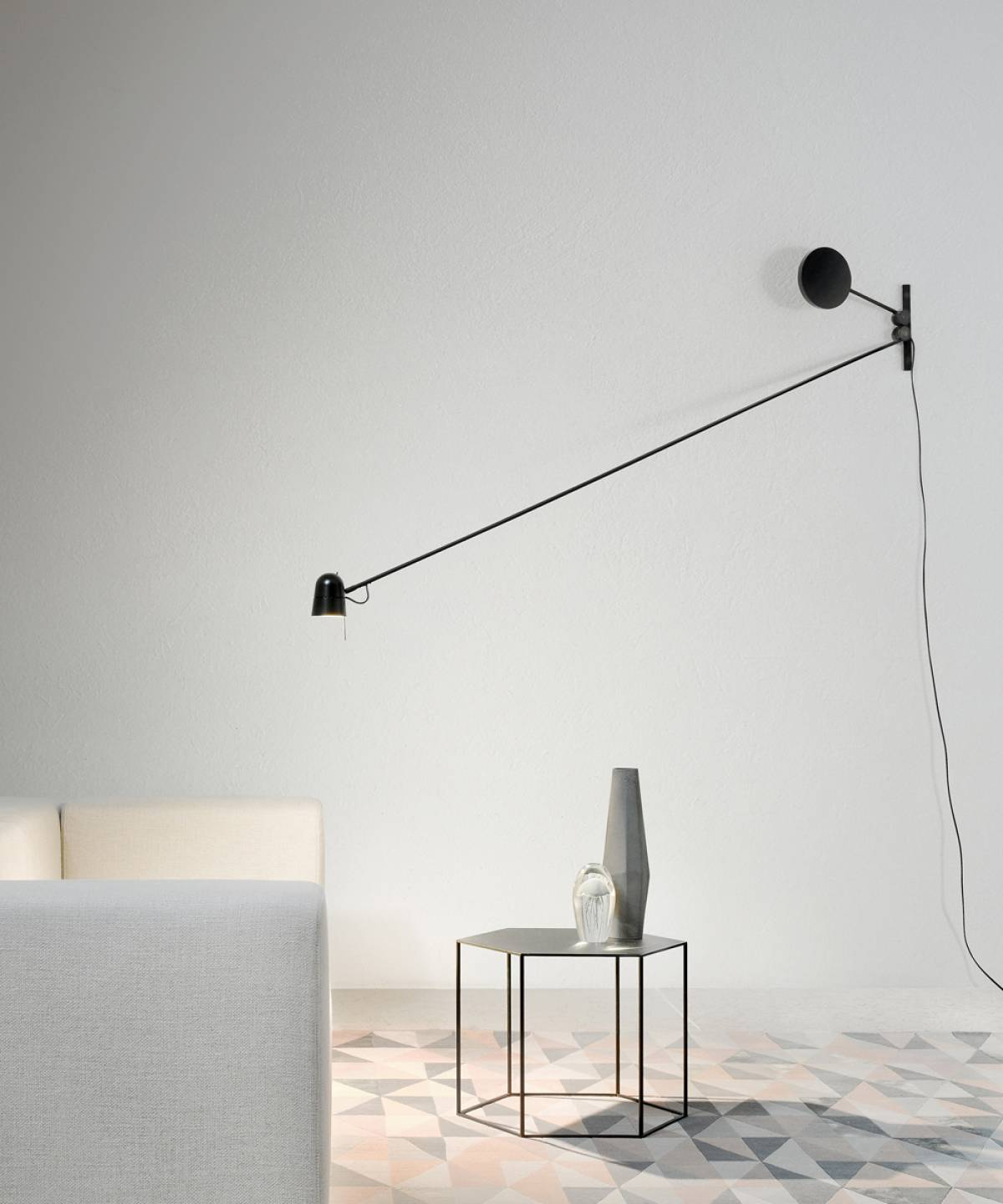 1 Counterbalance wall lamp Luceplan
