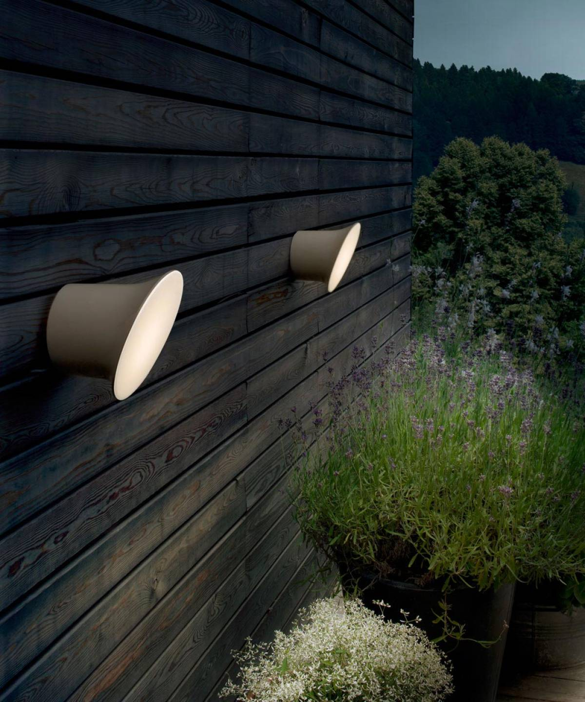 Ecran outdoor lamp Luceplan